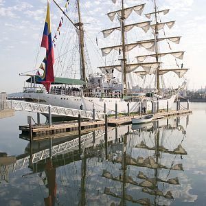 Tall Ship Gloria visits Tacoma