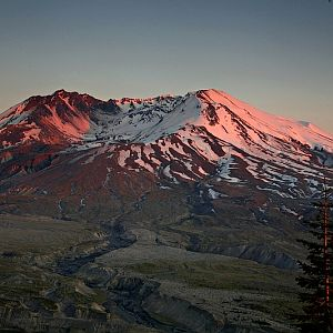 Alpenglow on St. Helens